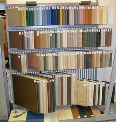 Производство настенной плитки, стенды для керамических образцов